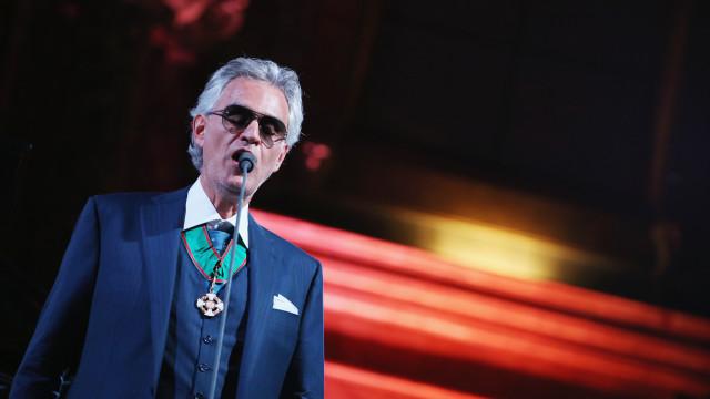 Неповторливиот Андреја Бочели ќе пее во катедралата Дуомо за Велигден