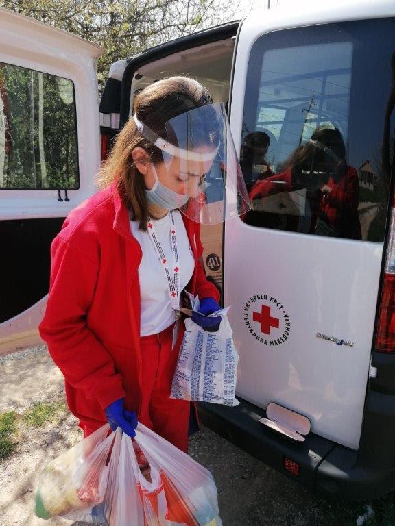 Црвениот крст ги проширува активностите како одговор на пандемијата, мобилните тимови активни на терен