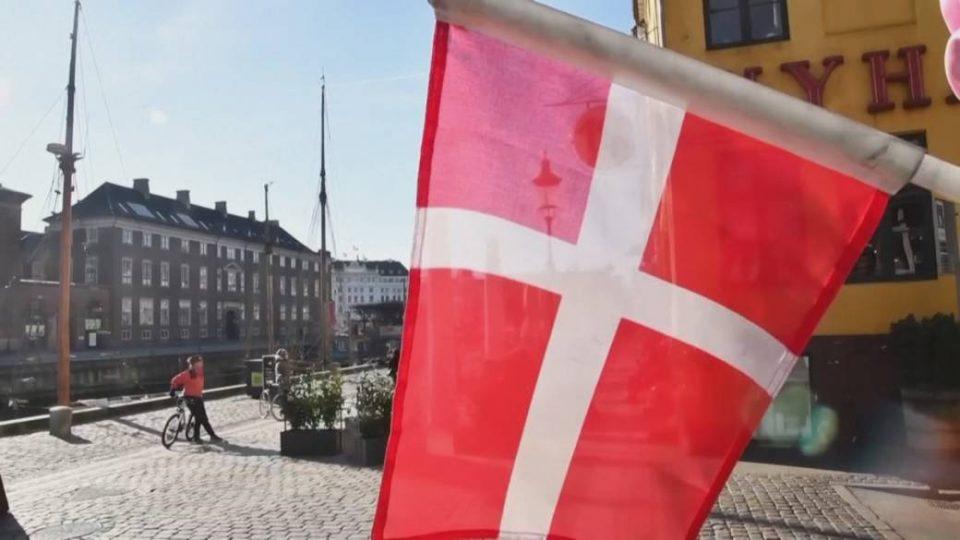 И Данска ги демантираше тврдењата дека го поддржува бугарското вето