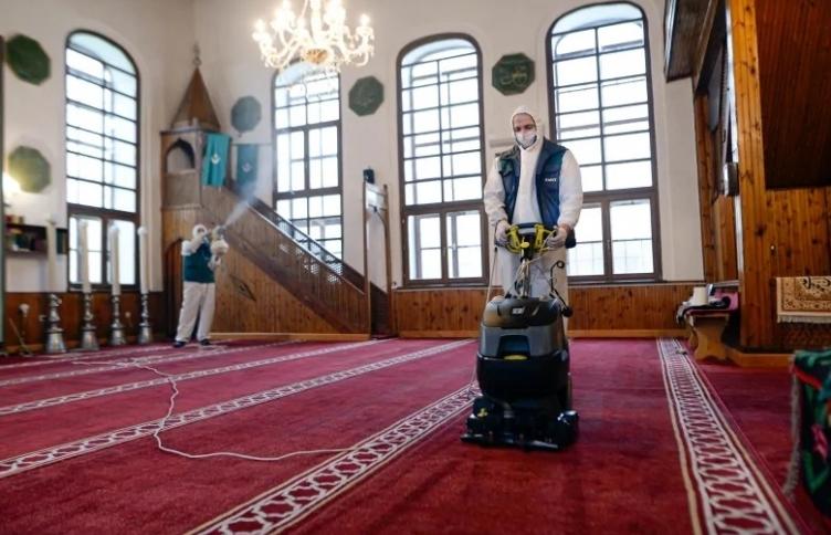 Во сенка на коронавирусот: Муслиманите ќе го одбележат Рамазан како никогаш досега