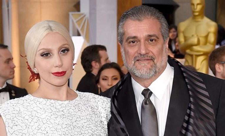 Таткото на Лејди Гага барал донации на интернет за да ги плати вработените во ресторанот