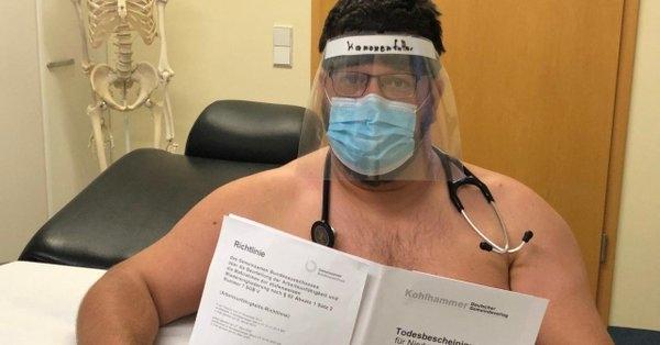 Германските лекари голи протестираат поради недостиг на заштитна опрема (ФОТО)