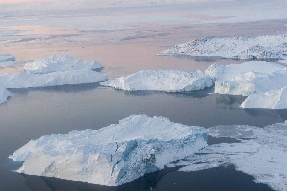Смрзнатата плоча на Гренланд забрзано се топи