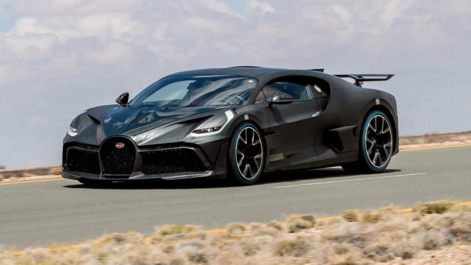 Bugatti започна со испорака на моделот Divo