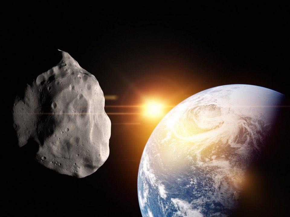 Два огромни астероиди со огромна брзина се движат кон нашата планета