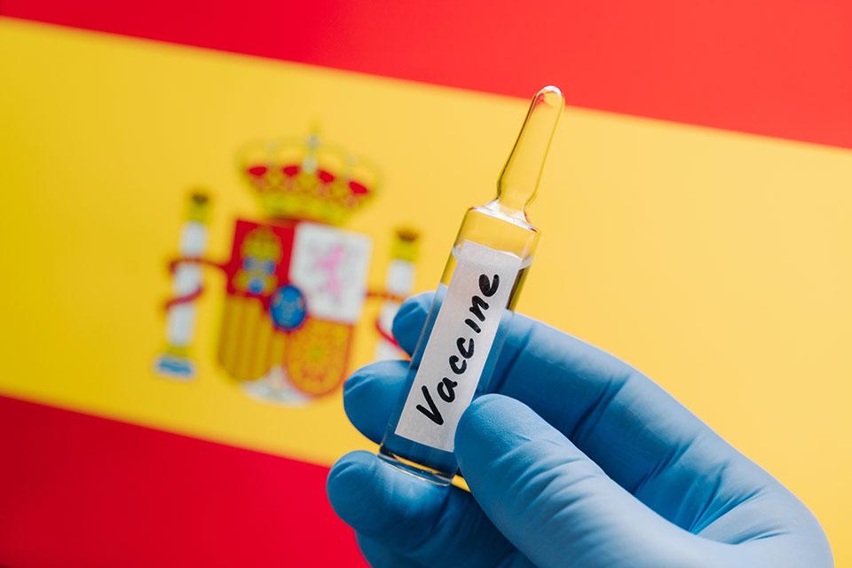 Шпанија планира регистар на луѓе кои одбиваат вакцина против Ковид-19