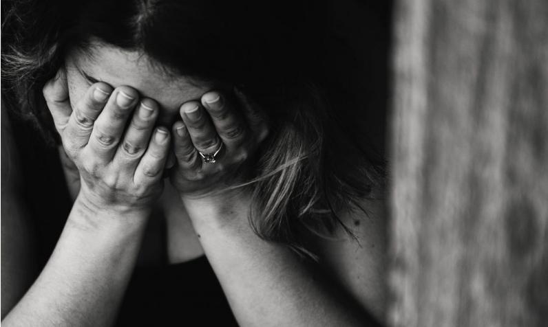 Тешко е, но не е болест и не трае вечно: Важни совети за жените во менопауза