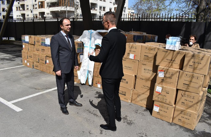 Унгарија со нова помош за Македонија, медицинската опремa пристигнува во понеделник