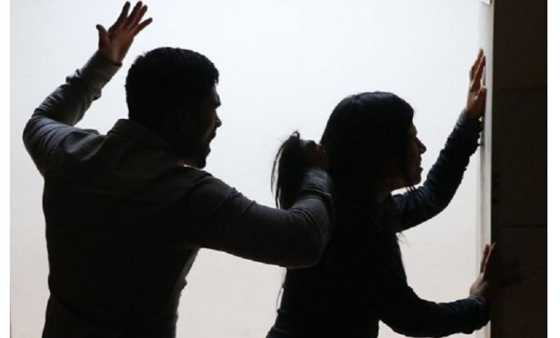 Љубовна драма во Куманово: Си ја претепал девојката во кафуле