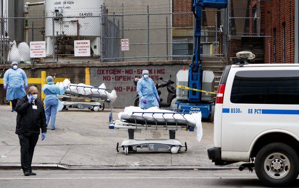 Пандемијата во САД одминува, смртноста сега е на нивото од март 2020 година
