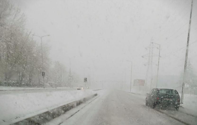 ЛИДЕР: Шилегов потроши 1 милион евра за чистење снег – ама сега снегот нема кој да го исчисти!