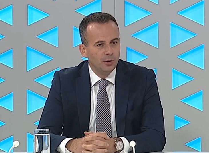 Наумовски во интервју за КУРИР: Сведоци сме дека нашата влада за клучните надворешно-политички прашања преговарала и на паркинзи во Дојран