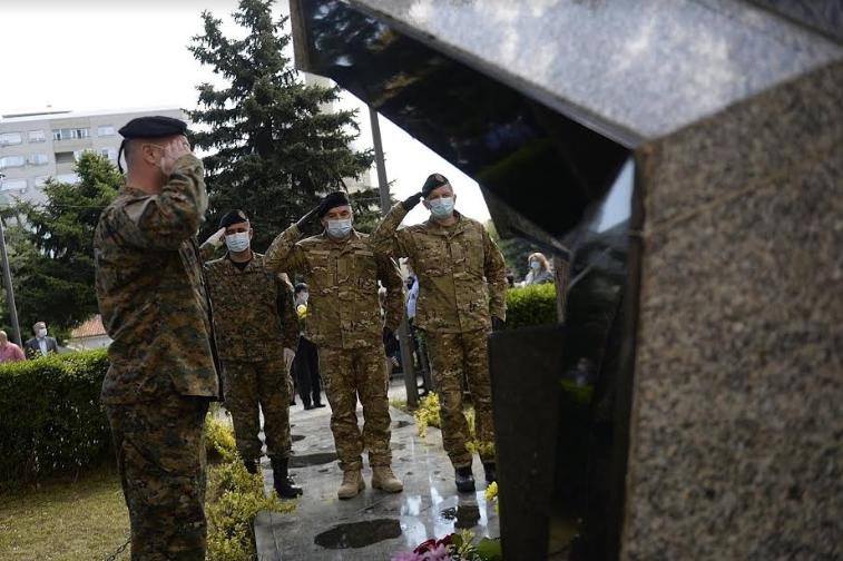 ФОТО: 19 години од загинувањето на хероите кај Вејце
