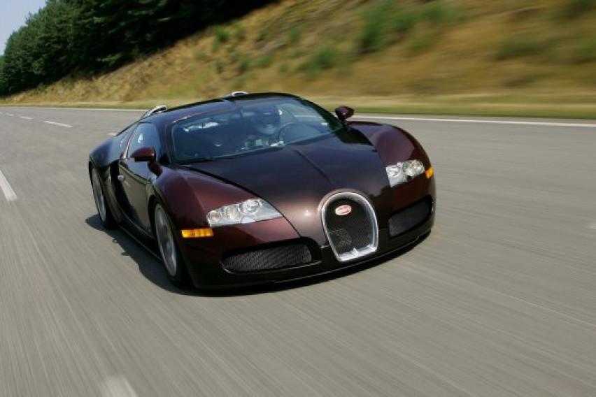 Пред 15 години Bugatti Veyron ја проби магичната бариера од 400 км/ч