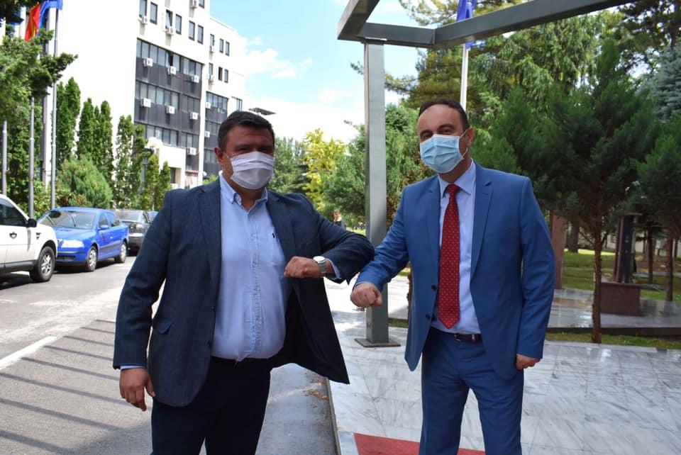 ВМРО-ДПМНЕ донираше заштитни средства во МВР