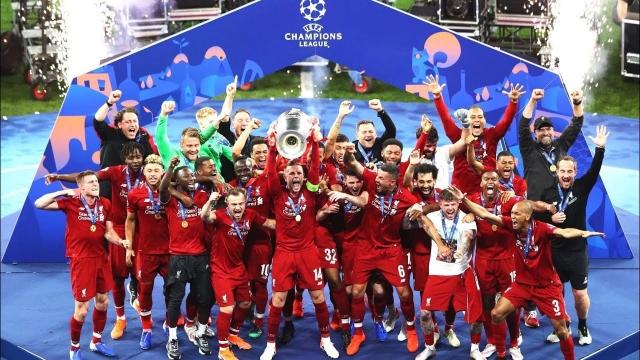 Ливерпул против Лидс ја почнува одбраната на титулата во Премиер лигата