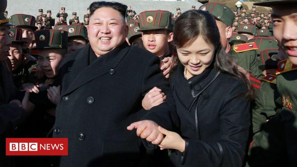 Ѝ го избришал минатото, трпи орг*и… Сопругата на Ким Џонг – Ун е убавица, а ова е нејзината животна приказна