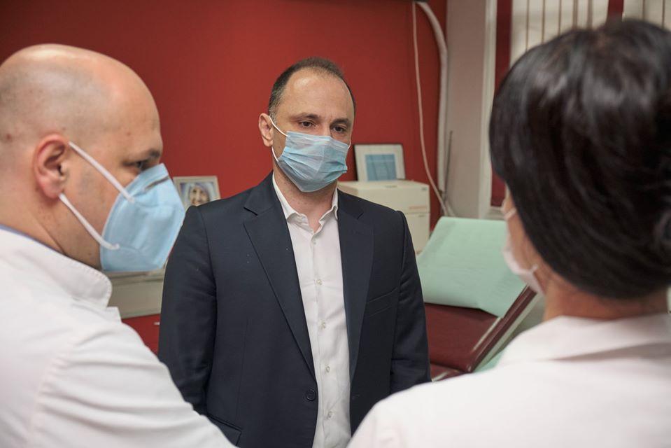 Со крвна плазма излекувани петмина пациенти со коронавирус