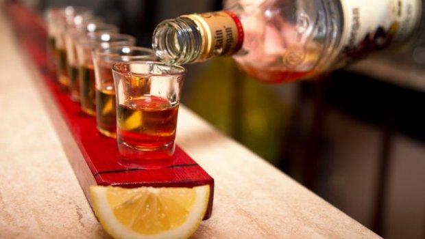 Најмалку 23 лица се отруле од алкохол на погреб во Мексико