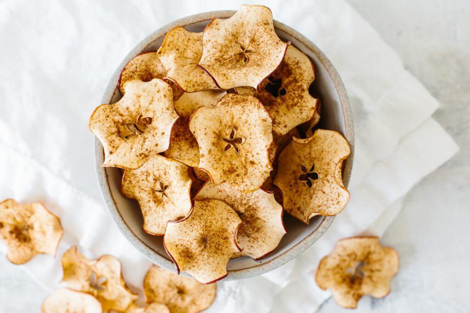 Сакате чипс, но знаете колку е штетен: Четири превкусни алтернативи за омилените грицки