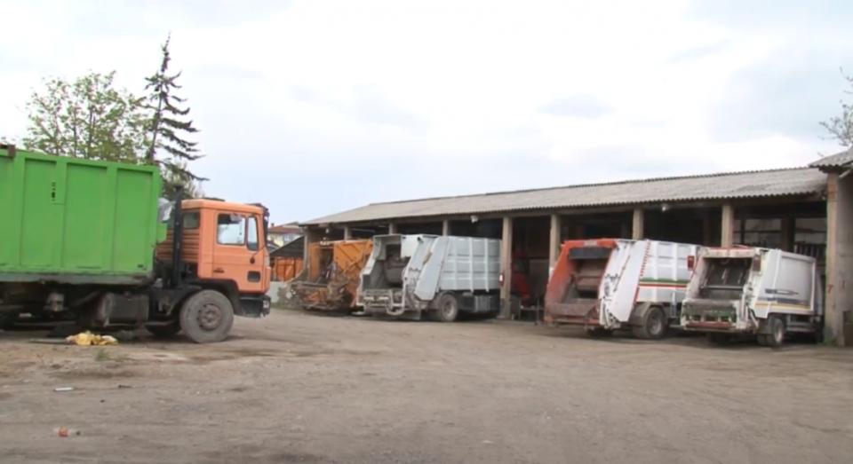 Вработените во ЈКП во Струга добиле само 7.000 денари плата