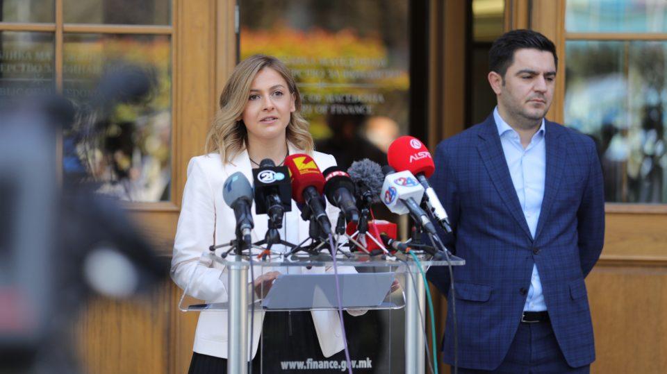 Арсовски: Дали Нина Ангеловска крие дека се подновила со стан од над 100.000 евра?