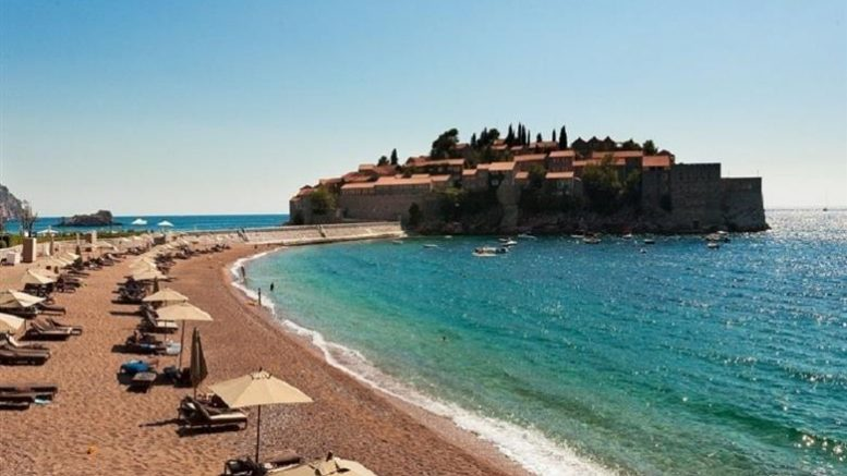 Стоп за македонските туристи во Хрватска и во Црна Гора