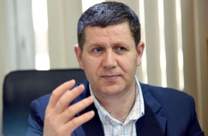 Селмани: Не може да имаме слобода на говор кога Владата му крати 7 милиони евра на јавниот сервис, средства кои со закон му следуваат