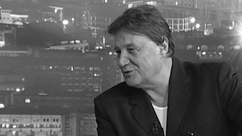 ВИДЕО: Познатите со солзи во очите се простуваат од Драган Вучиќ