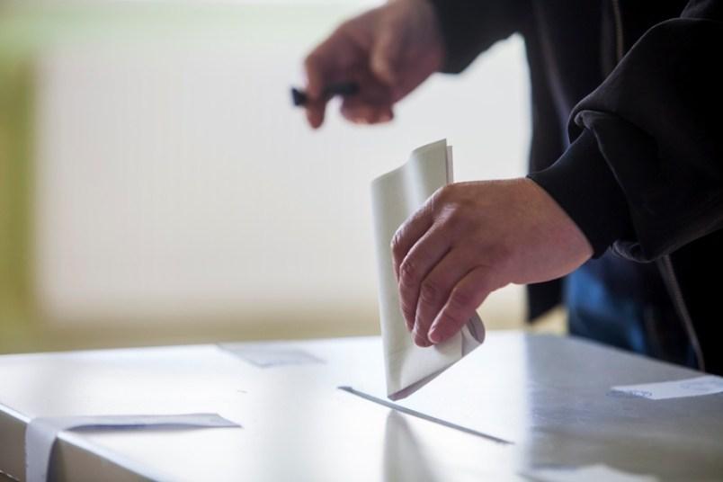Гласаат болните, немоќните и затворениците