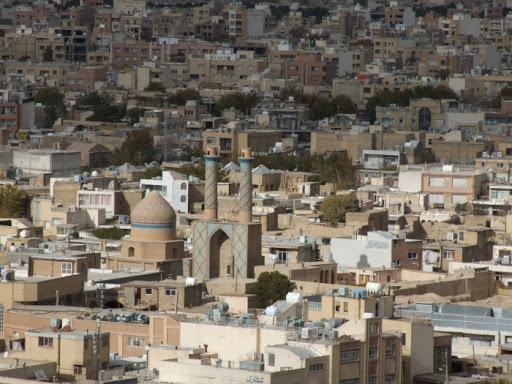 Во 180 градови низ Иран повторно е дозволено одењето во џамија
