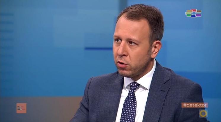 Јанушев: Владата не ја послуша СЗО да прави повеќе тестирања, логиката тоа го прават за да ги штелуваат бројките