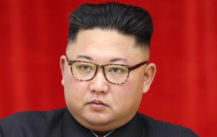 Го прогласија за мртов, а тој отвори хемиска фабрика: Ким Џонг-ун првпат во јавност по 20 дена