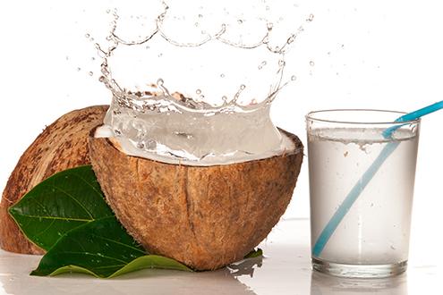 Кокосова вода – природен еликсир за вечна младост