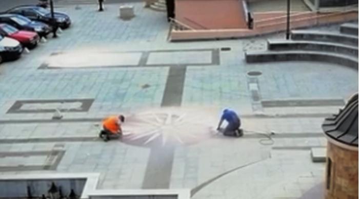 ФОТО: Не ви чинат брусалиците, соцнцето повторно блесна на плоштадот во Крива Паланка