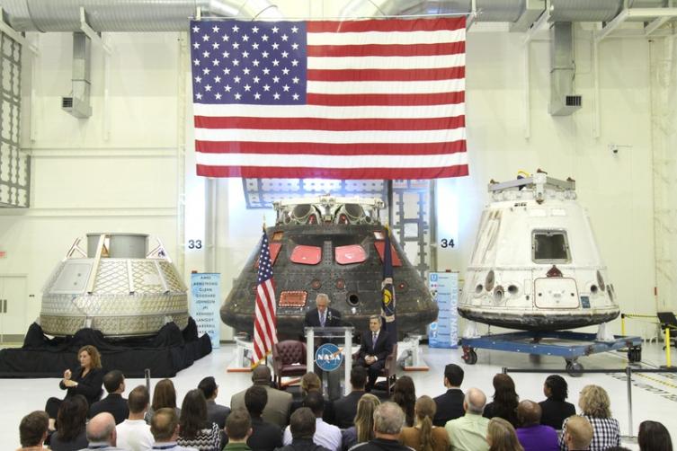 Спејсекс на Меѓународната вселенска станица ќе однесе двајца астронаути на НАСА