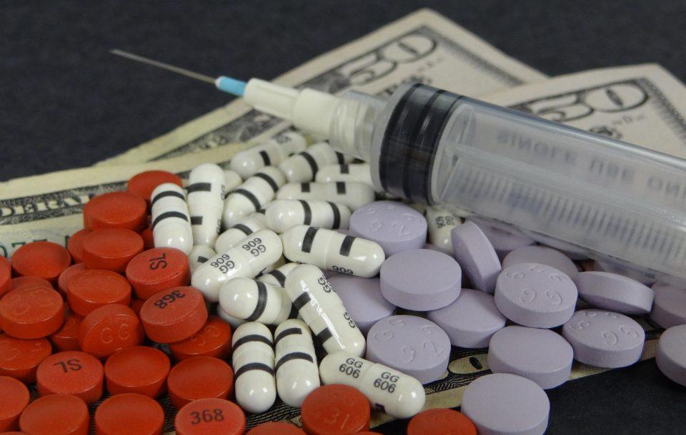Служба на ОН: Карантинските мерки предизвикаа поскапување на наркотиците