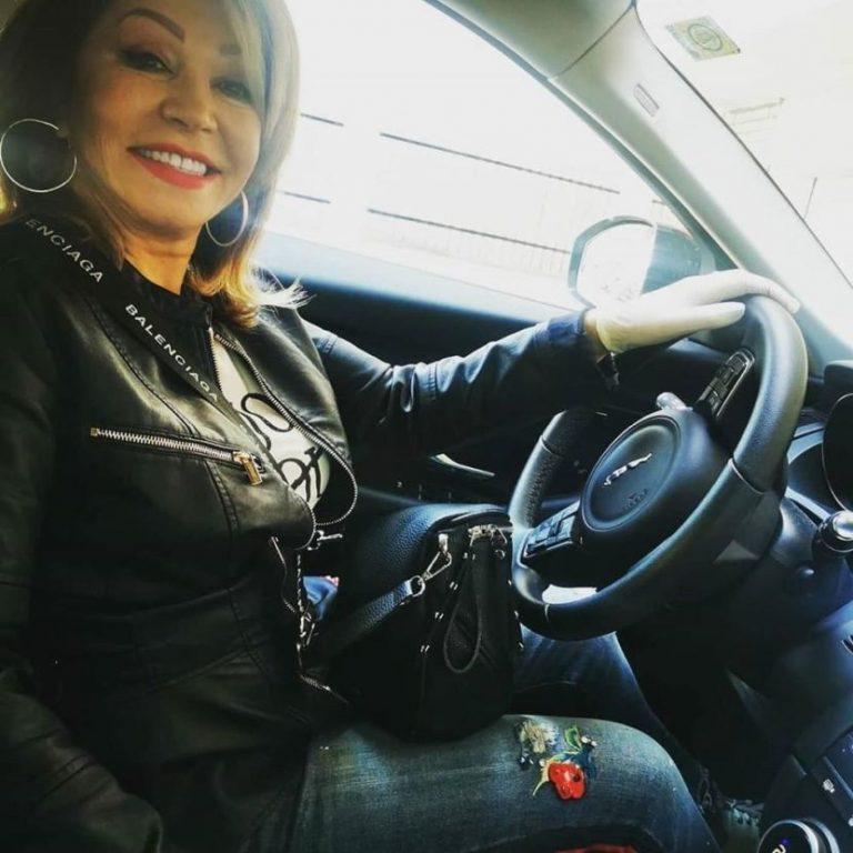 """Прво бараше да им се помогне на музичарите, а сега купи автомобил од 50.000 евра: Неда Украден се поднови со нов """"ѕвер"""" (ФОТО)"""