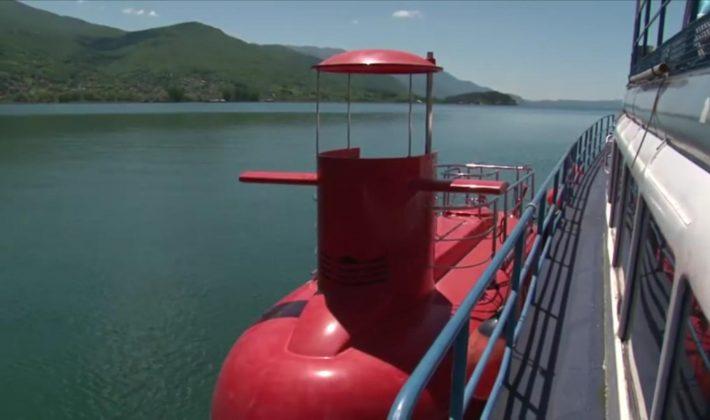ФОТО: Охрид доби мини подморница
