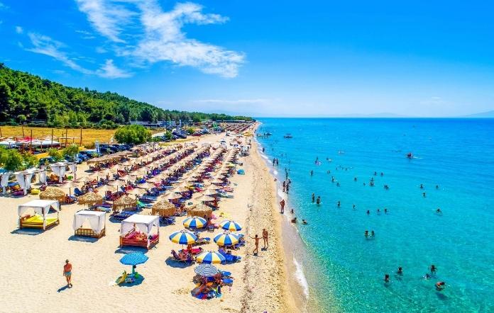 СМС порака за резервација на лежалка во Грција- што треба да знаете ако одите на плажа