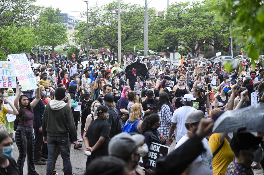 """На протестите во Њујорк украдени часовници """"Ролекс"""" во вредност од 2.3 милиони долари"""