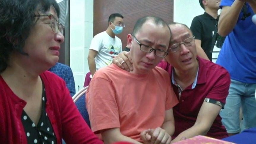 Тажна приказна со среќен крај: Синот им бил продаден за пари, го пронашле после 32 години