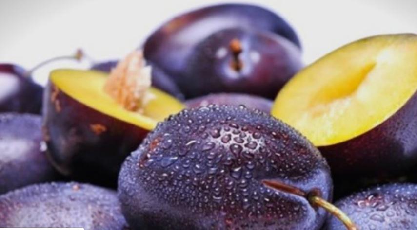 Кралица меѓу најздравите плодови: Зошто мора да јадете сливи?