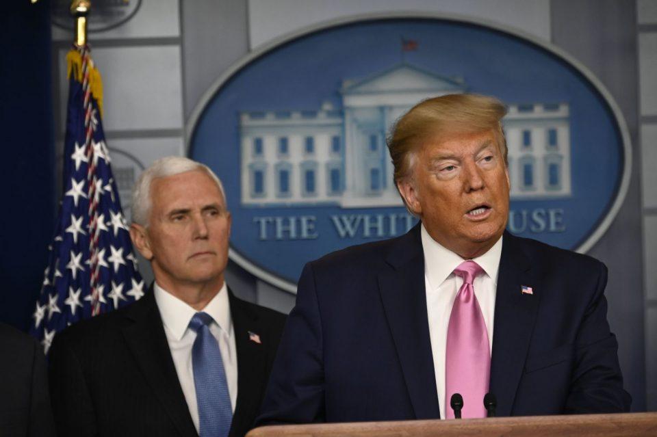 Трамп и Пенс првпат разговараа по упадот во Конгресот