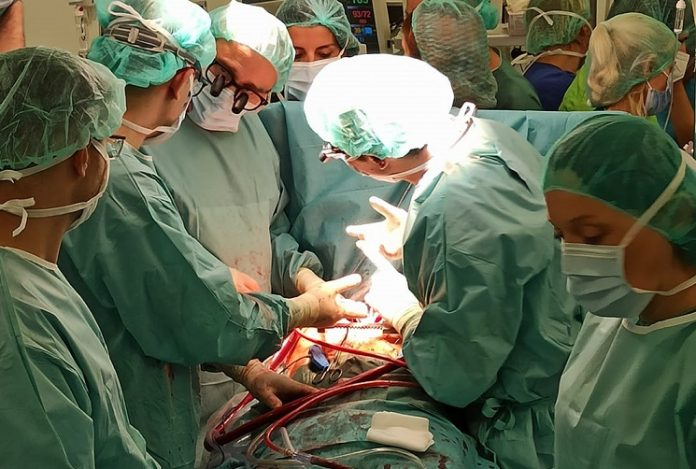 (Фото+ВИДЕО) Како се одвиваше првата трансплантација на срце во Македонија