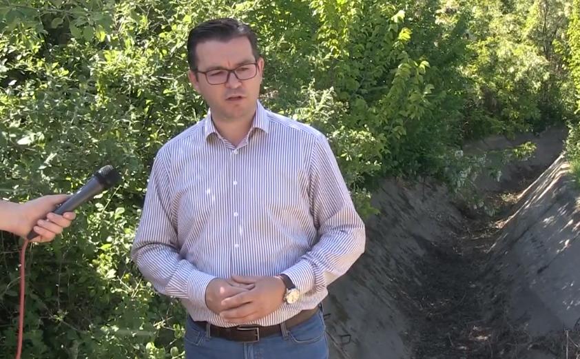 Трипуновски до Николовски: На земјоделците не им треба вашата милостиња, обезбедете откуп и високи цени!