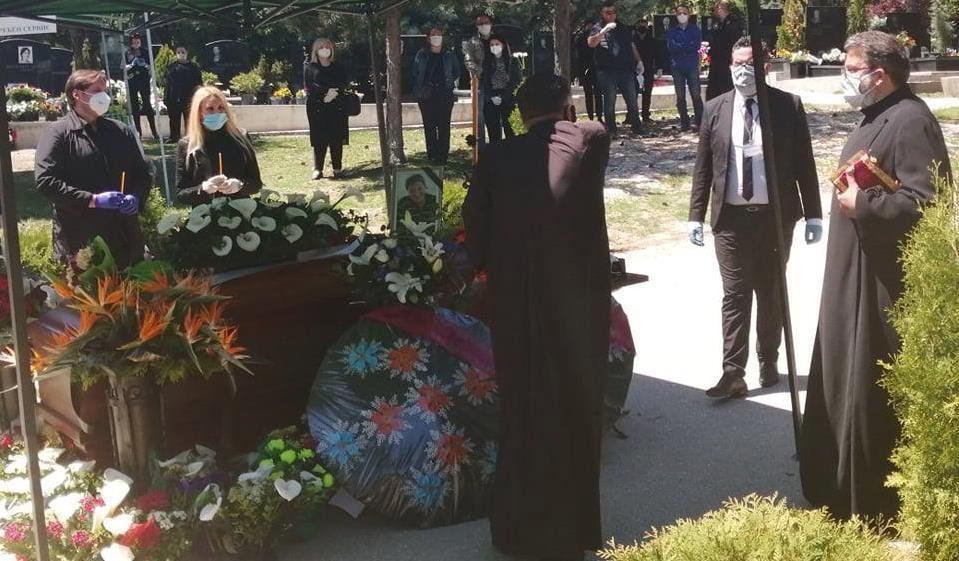 Драган Вучиќ испратен во вечниот дом- сопругата не успеа да се збогува со Вуле