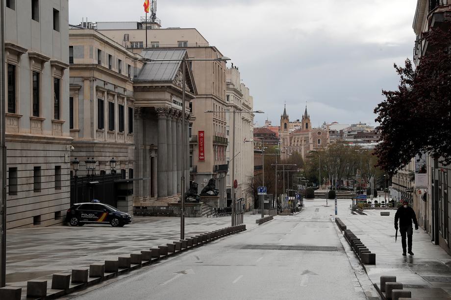 Шпанија го намали вкупниот број на починати од Ковид-19 за 2.000