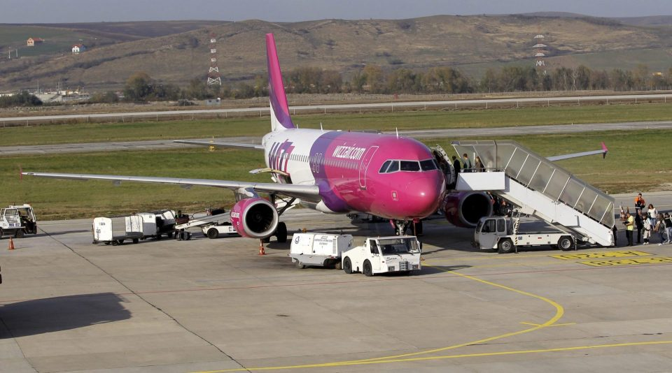"""Конечно ,,Виз Ер"""" ги отвара аеродромите во Скопје и Охрид на 1 и 2 јули"""