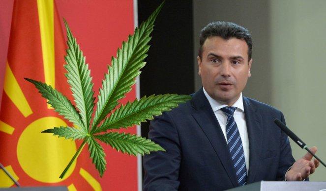 Арсовски го праша јавно Костадинов: Дали праша поради која причина, зошто била задолжена владата да даде две лиценци на веќе познати фирми од струмичко